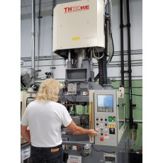 NISSEI 110-TON VERTICAL ROTARY ALL-ELECTRIC PLASTIC INJECTION MOLDING MACHINE 2005