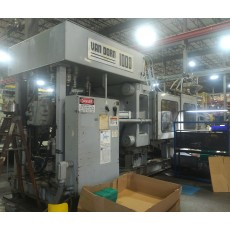 VAN DORN 1000-TON PLASTIC INJECTION MOLDING MACHINE 1995
